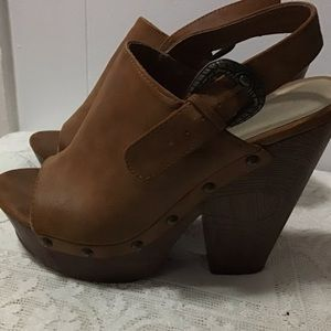 Guess Wooden Leather Platform Clog Heels. Size: 7